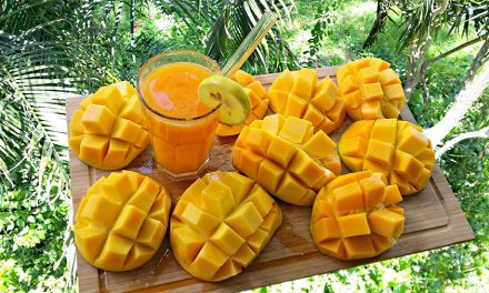 These 6 Health Benefits Will Make You Gobble Up All the Mangoes in Your Fridge Today